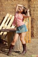 Pictures of teen hottie Emily 18 getting naked on the farm