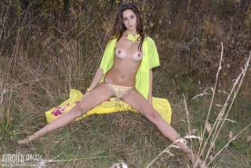 Brunette hottie Sugary shows you her long legs and tight pussy outside